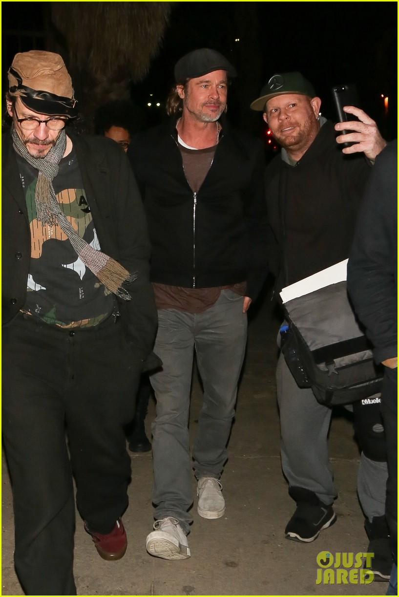 Brad Pitt Enjoys A Night Out On The Town Photo 4215886