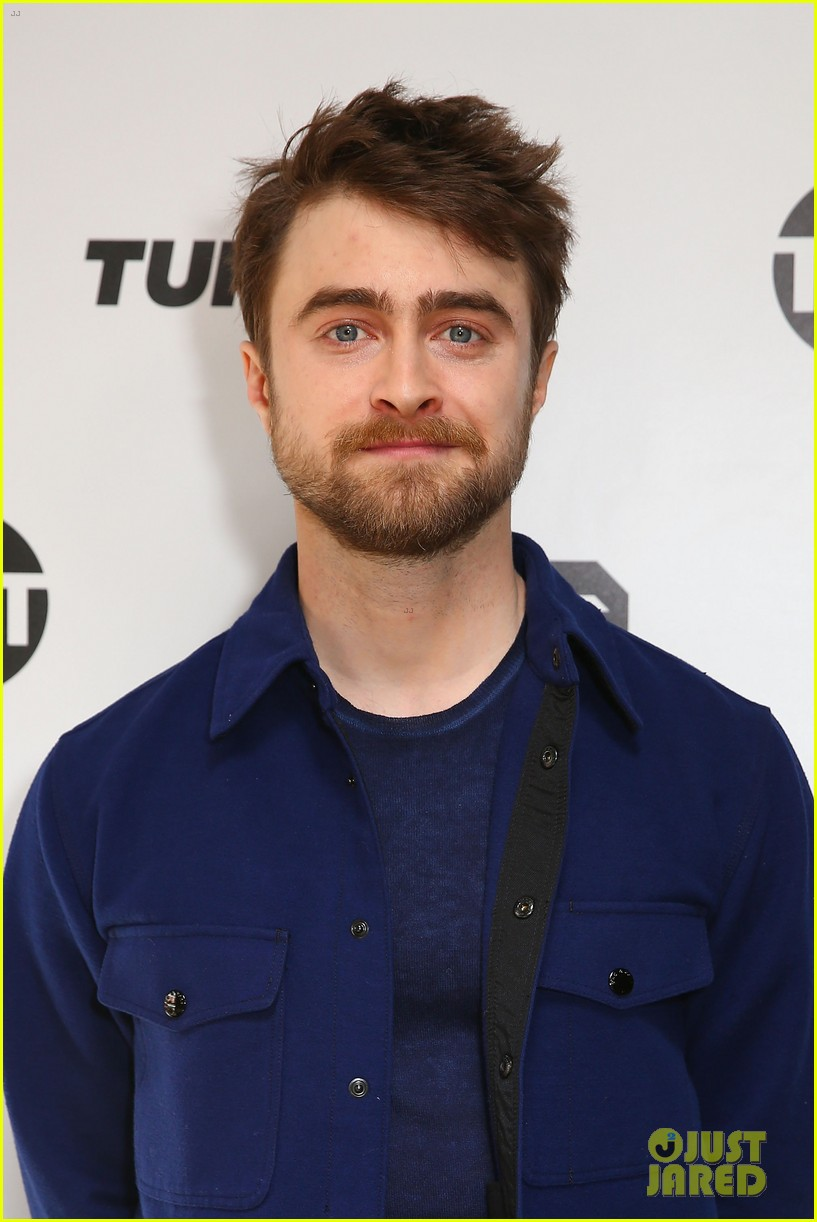 daniel radcliffe calls out tom brady 054217070