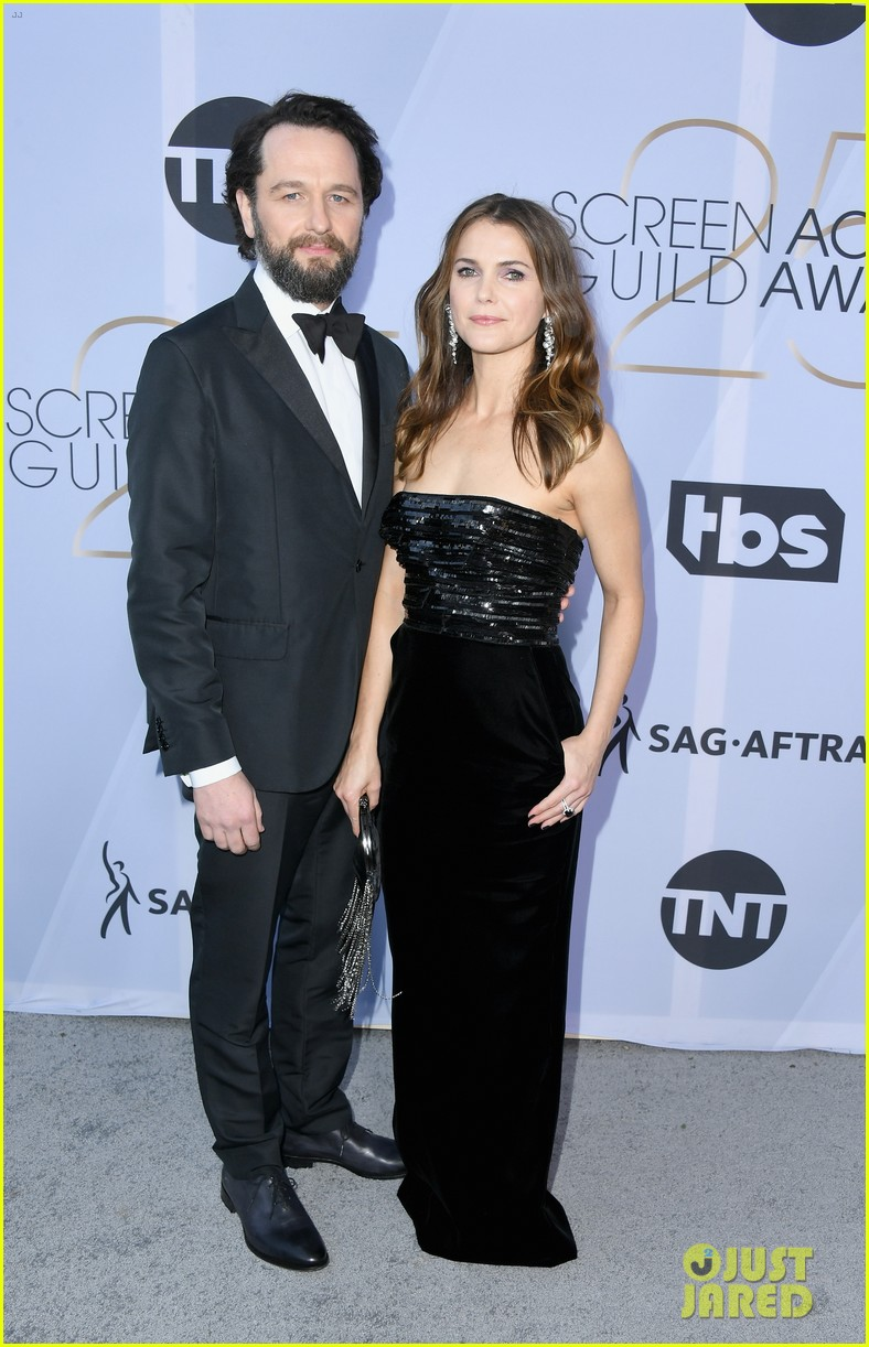 keri russell matthew rhys bring the americans to sag awards 054218445