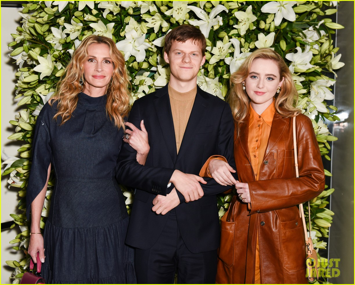 julia roberts kathryn newton more help honor lucas hedges at wsj magazine din 03