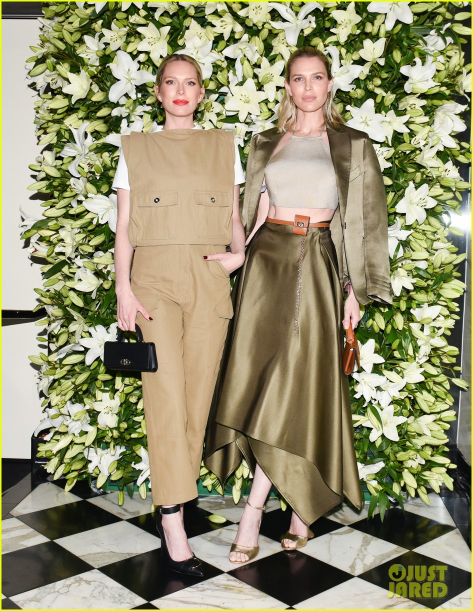 julia roberts kathryn newton more help honor lucas hedges at wsj magazine din 06