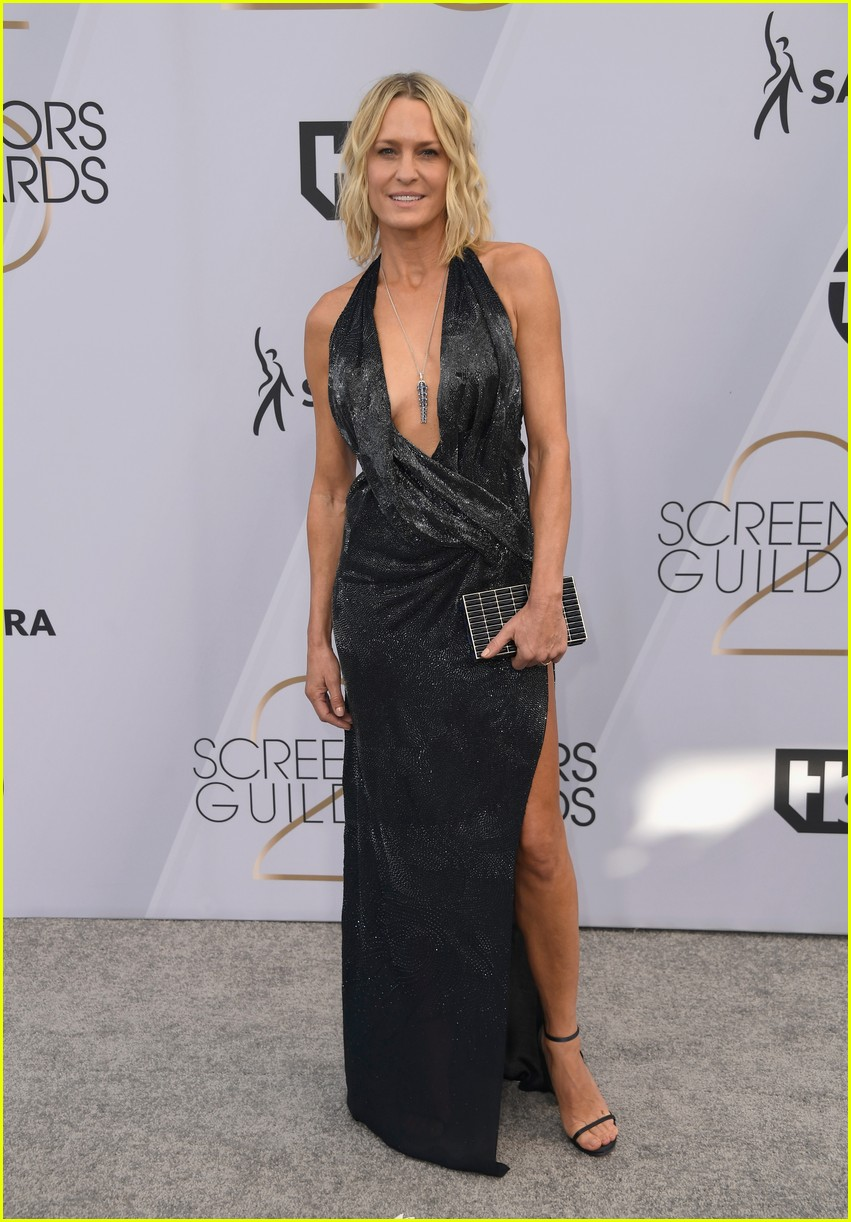 robin wright sag awards january 2019 014218569