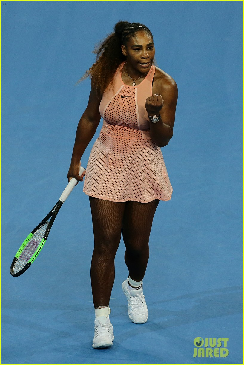 roger federer defeats serena williams in mixed doubles tournament 04