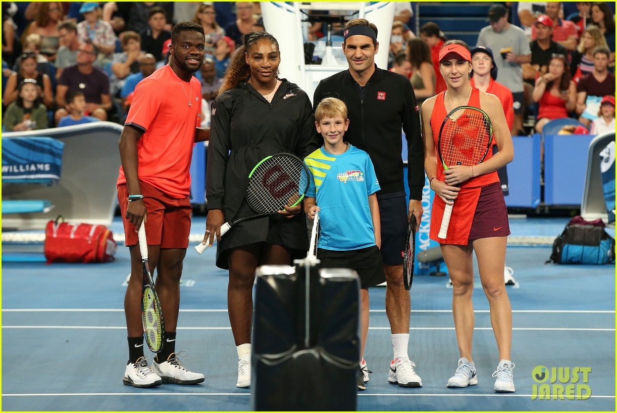roger federer defeats serena williams in mixed doubles tournament 05