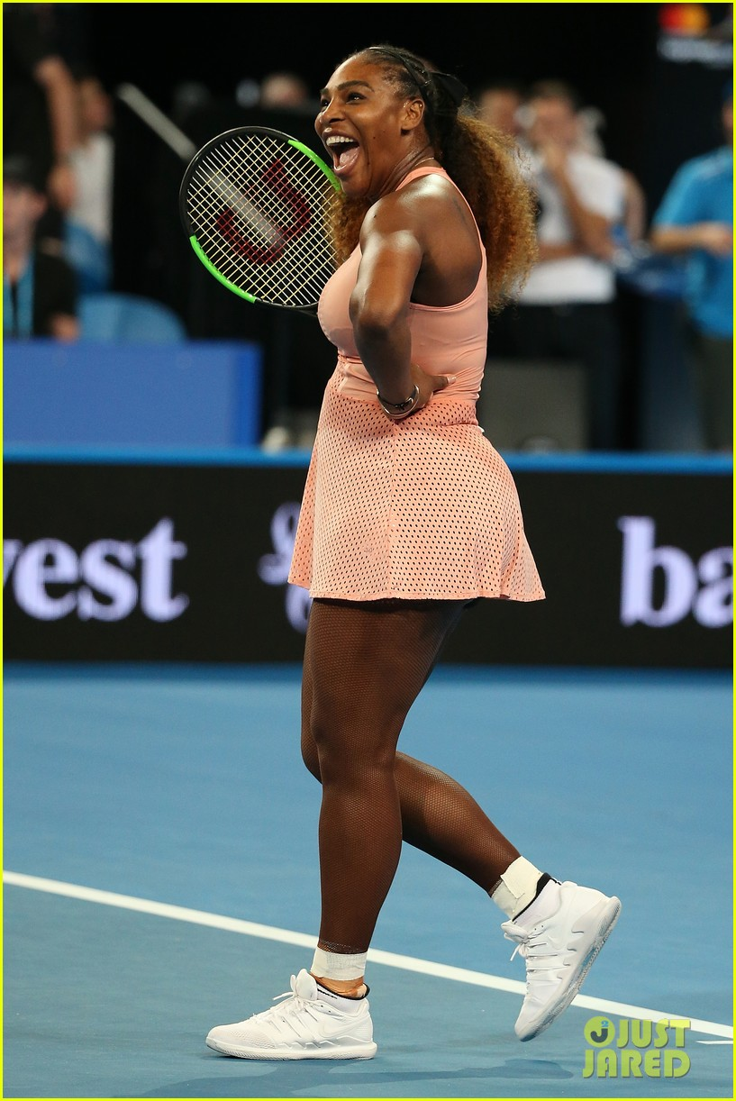 roger federer defeats serena williams in mixed doubles tournament 10