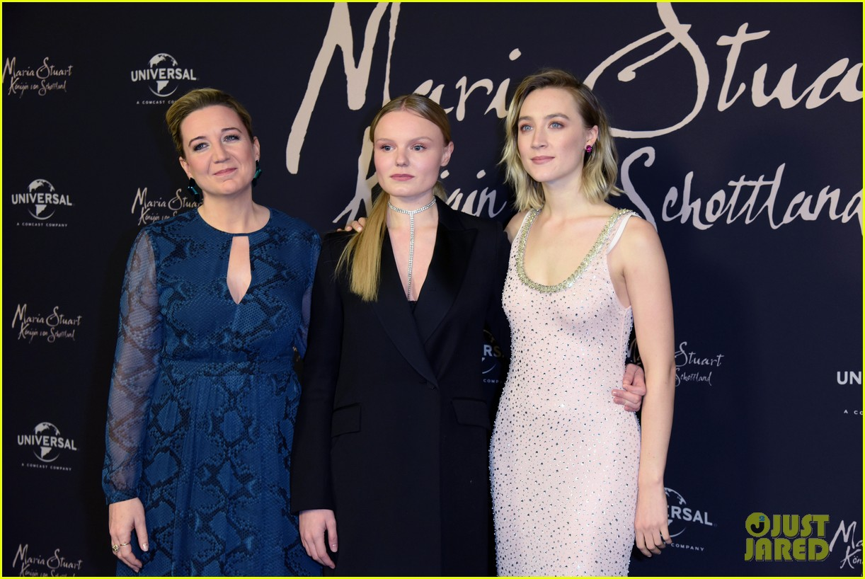 saoirse ronan says her horse in mary queen of scots was biggest diva 034209684