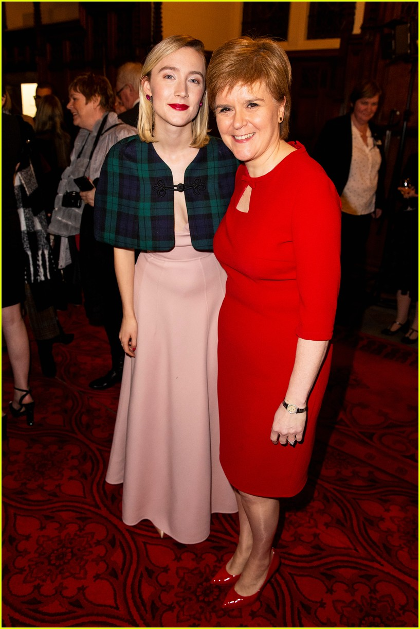 saoirse ronan is pretty in pink at mary queen of scots scotland premiere 144212299