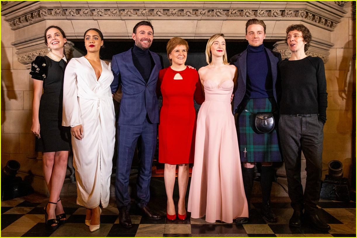saoirse ronan is pretty in pink at mary queen of scots scotland premiere 274212312