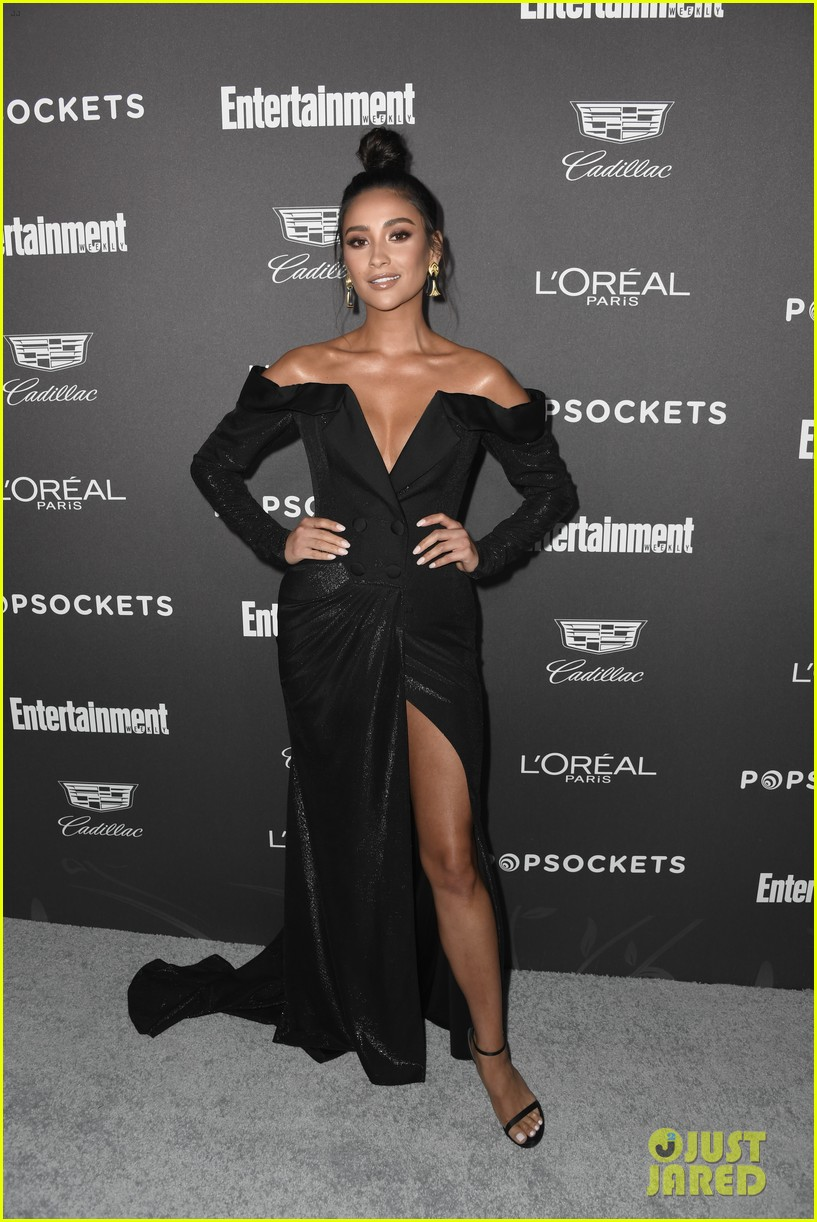 shay mitchell emily osmet ew pre sag awards party 014217596
