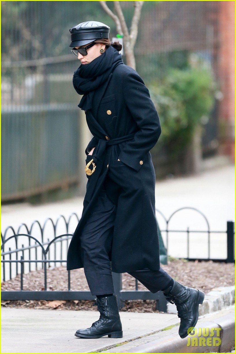 irina shayk bundles up for day out in nyc 04