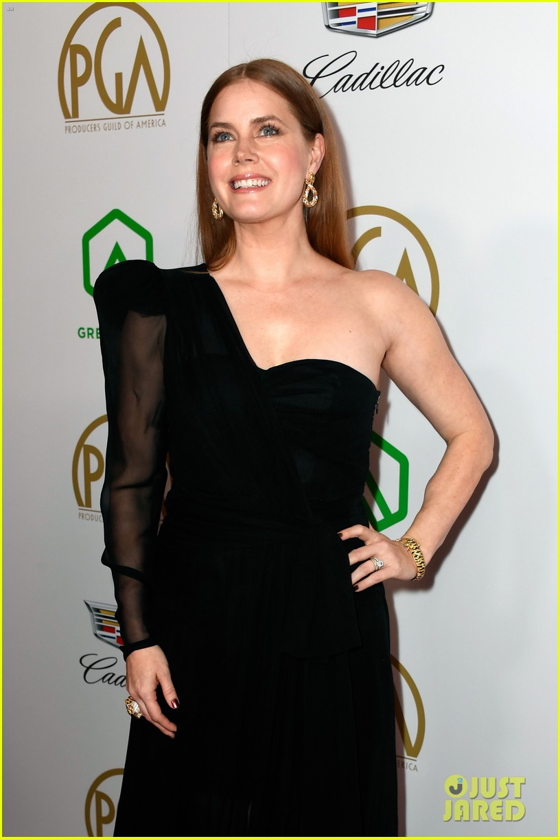 emma stone amy adams go glam for producers guild awards 06