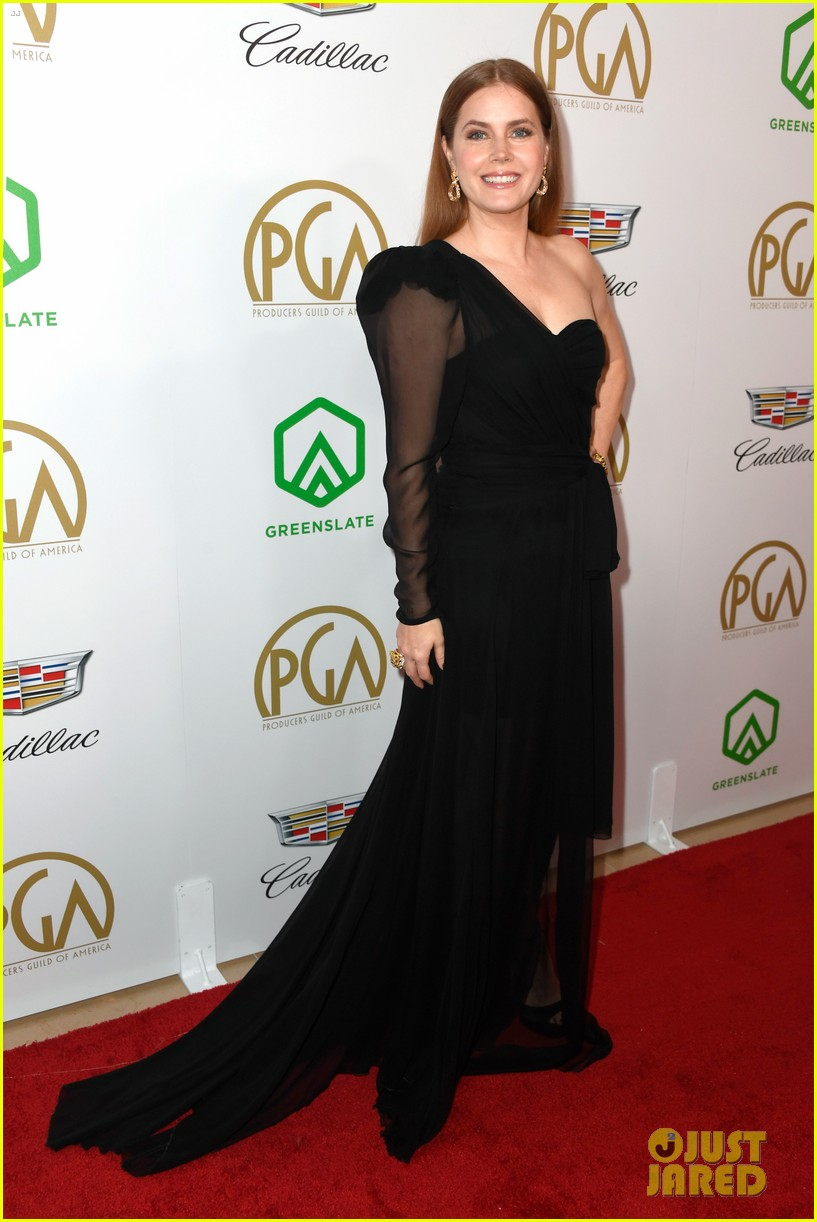 emma stone amy adams go glam for producers guild awards 08