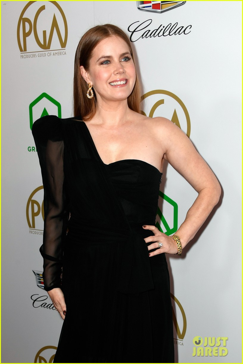 emma stone amy adams go glam for producers guild awards 11