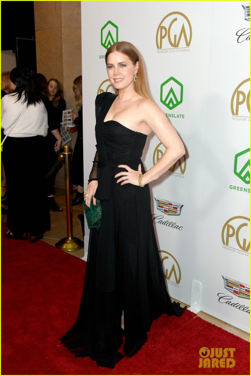 emma stone amy adams go glam for producers guild awards 13