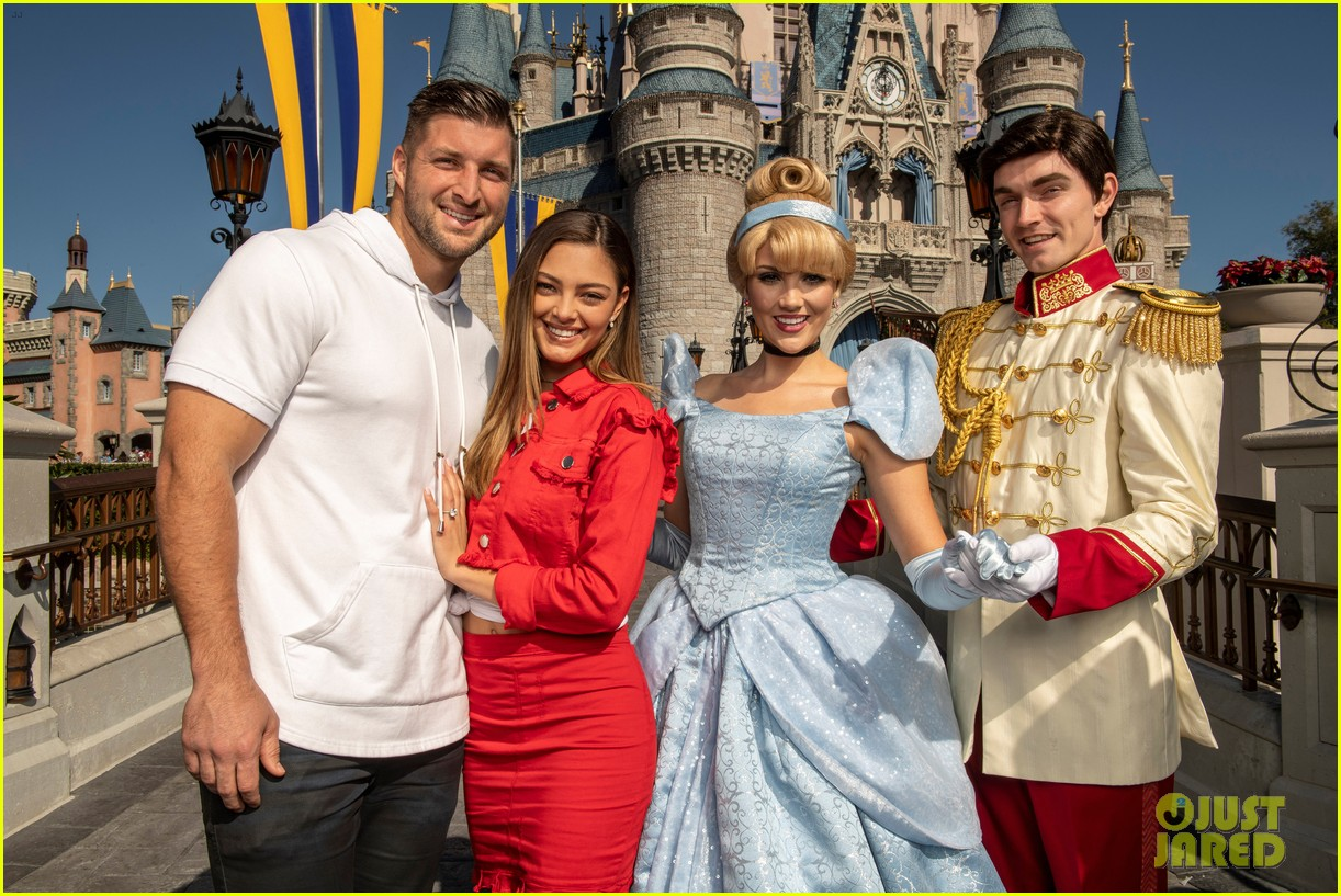 Tim Tebow Amp Demi Leigh Nel Peters Celebrate Their
