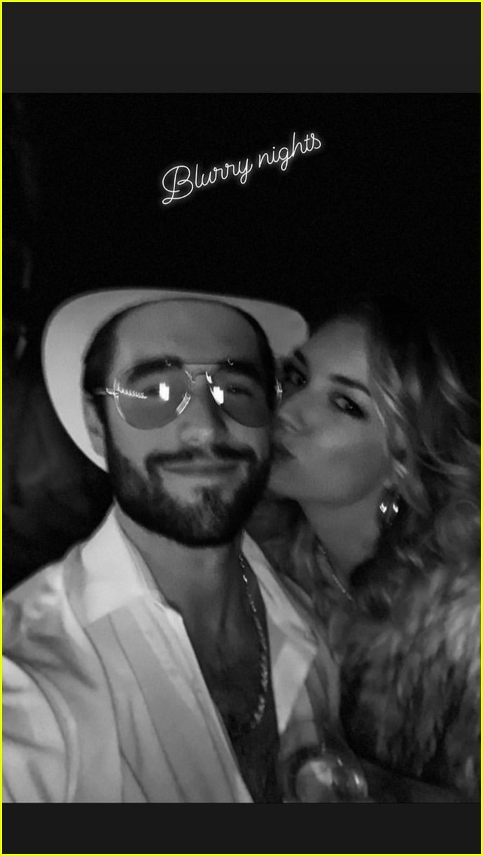 emily vancamp josh bowman new years eve 04