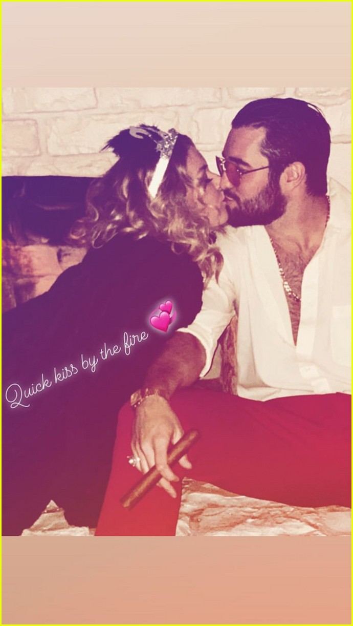 emily vancamp josh bowman new years eve 06