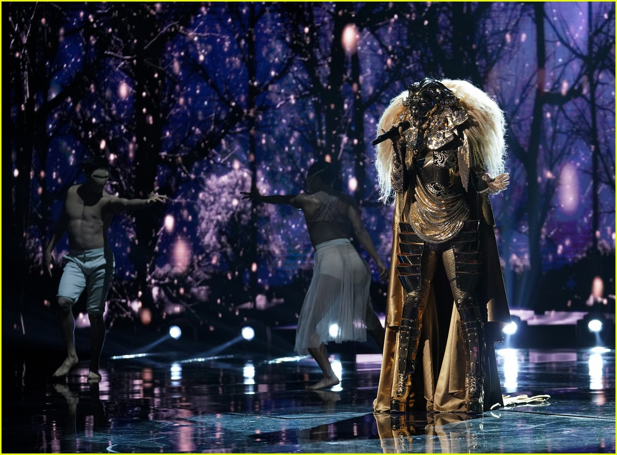 the lion on the masked singer 104219684