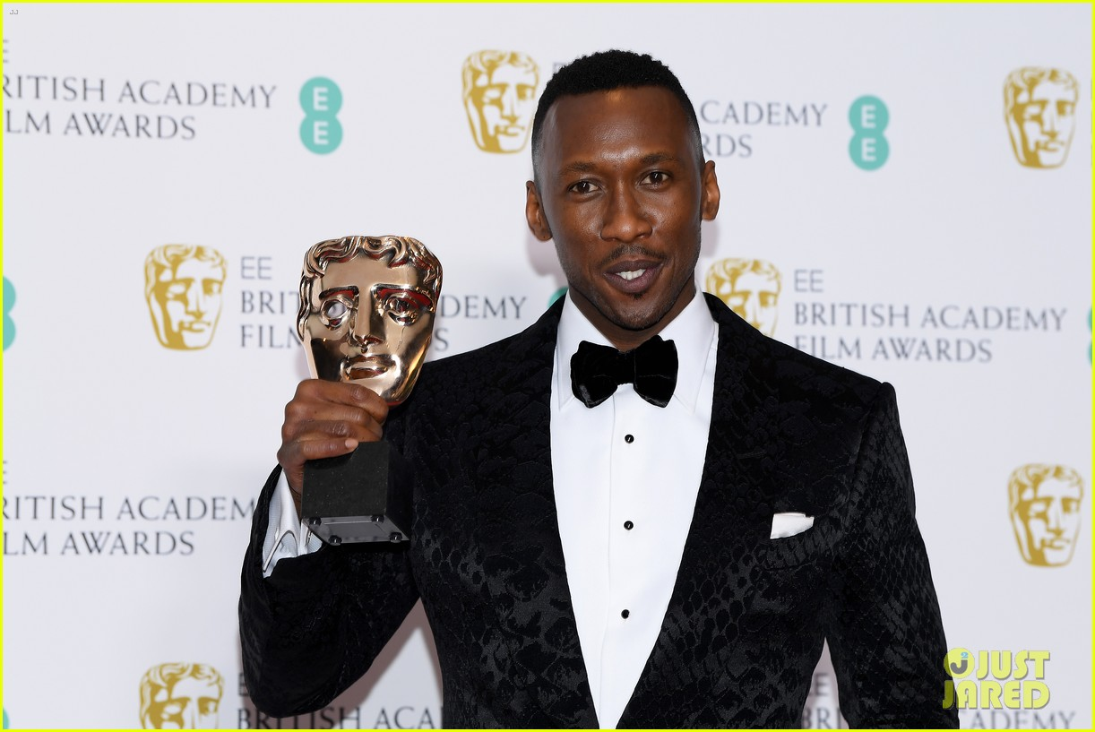 mahershala ali wins best supporting actor at baftas 2019