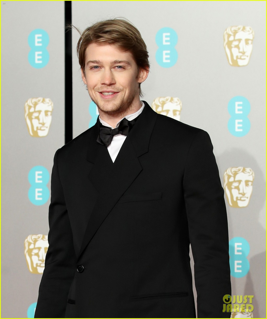The Favourite's Joe Alwyn Goes Solo At BAFTAs 2019: Photo