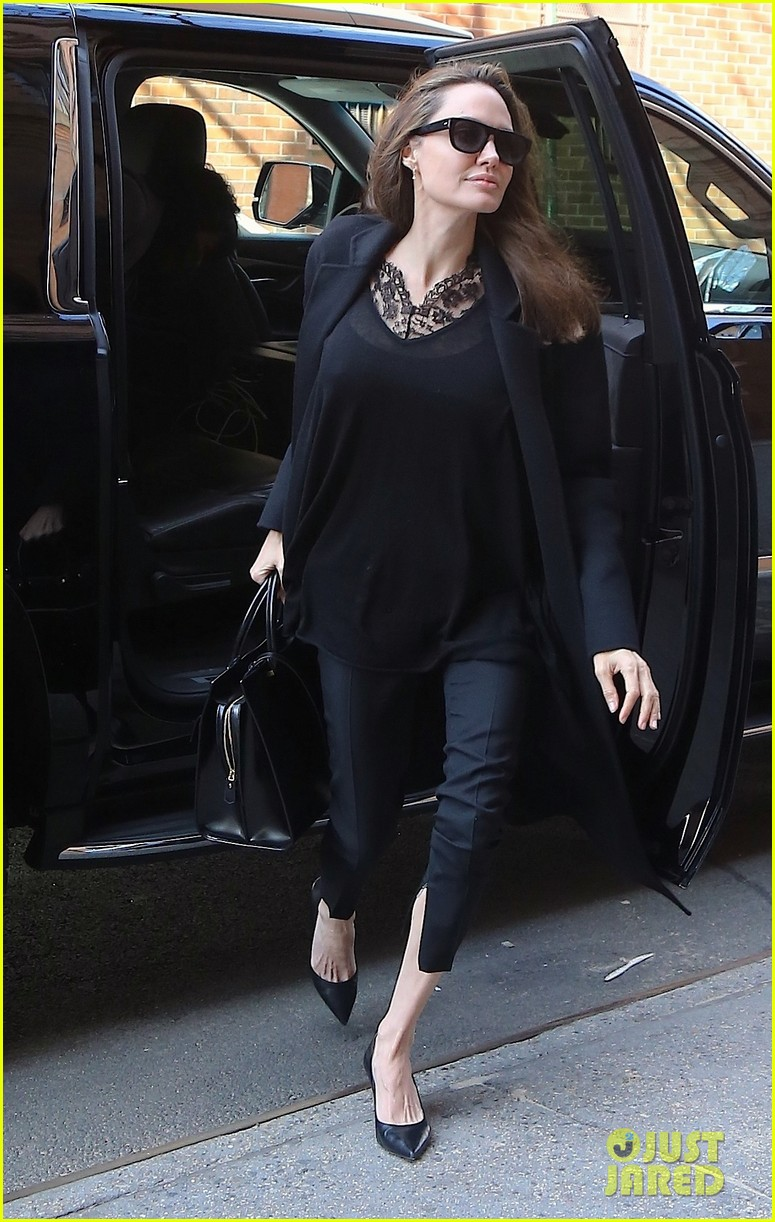 angelina jolie out about in nyc 024247983