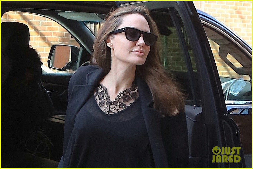 angelina jolie out about in nyc 034247984