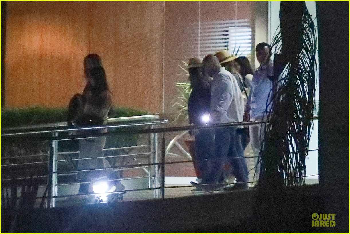 jennifer aniston courteney cox arrive in cabo 164239757