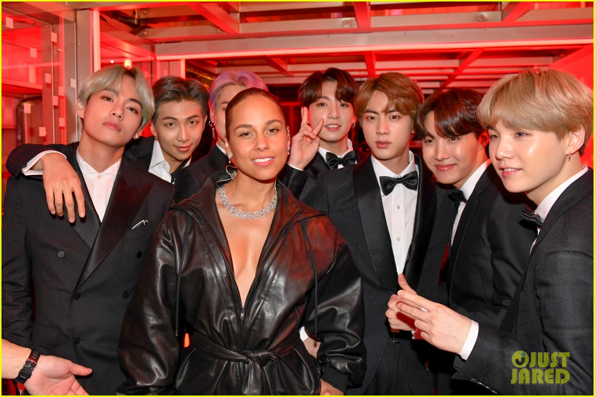 backstage at grammys 2019 144236835