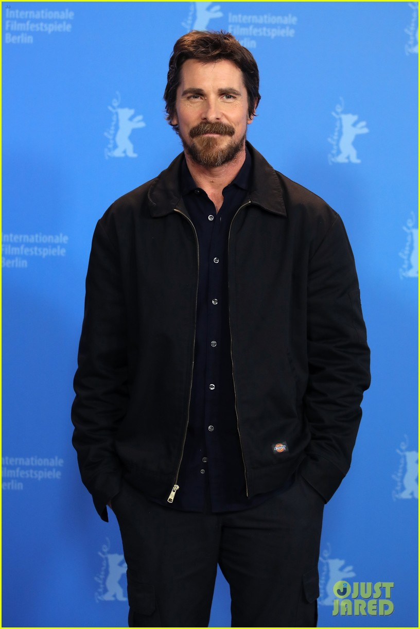 christian bale felt like a bullfrog transforming into dick cheney for vice 01