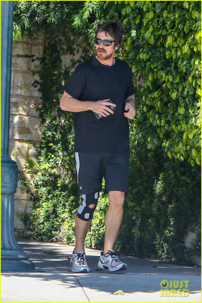 christian bale goes for a run in los angeles 01