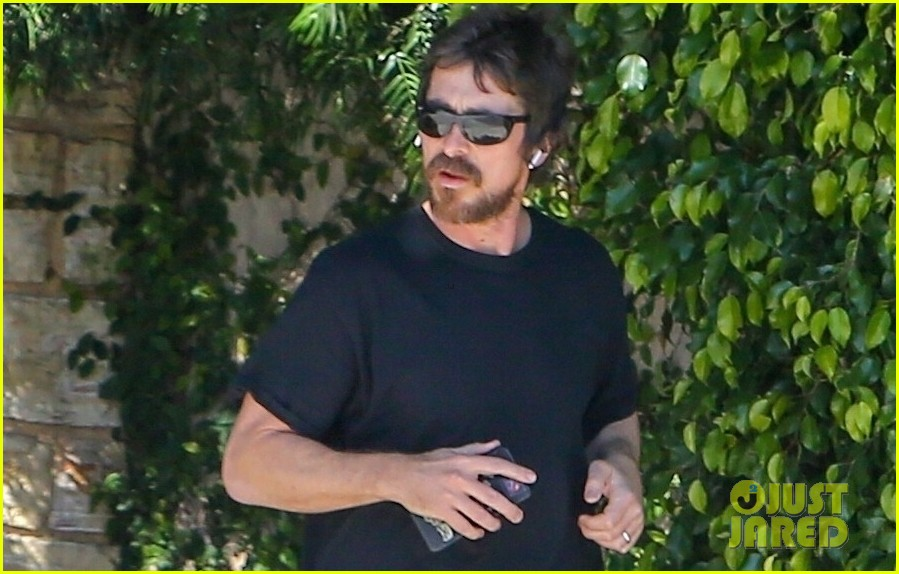 christian bale goes for a run in los angeles 02