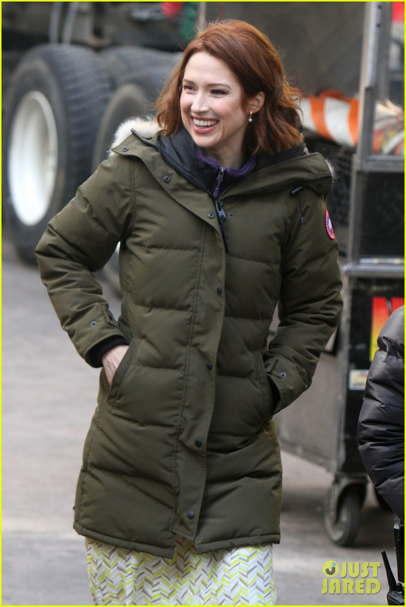 drew barrymore ellie kemper the stand in nyc 04