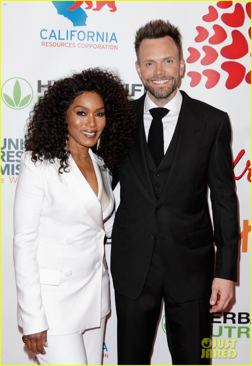 angela bassett joel mchale host the hearts of hope gala 01