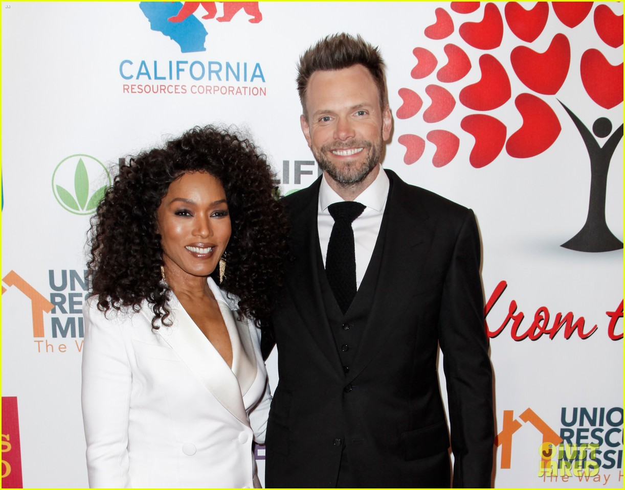 angela bassett joel mchale host the hearts of hope gala 06