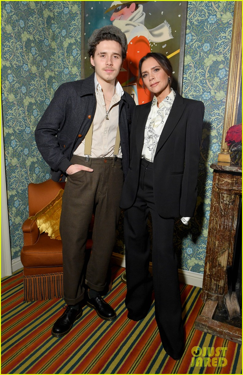 victoria beckham supported by david launch youtube channel 22
