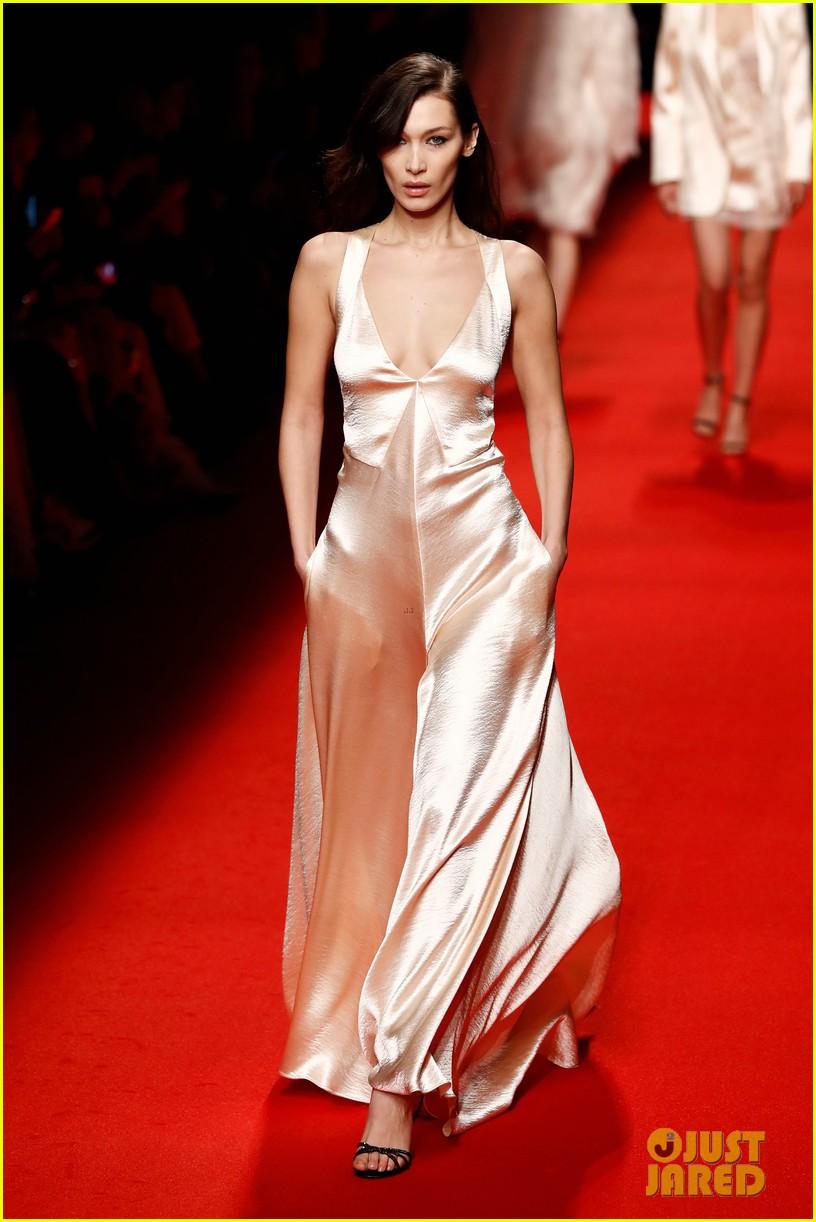 bella hadid philosophy milan fashion week 03