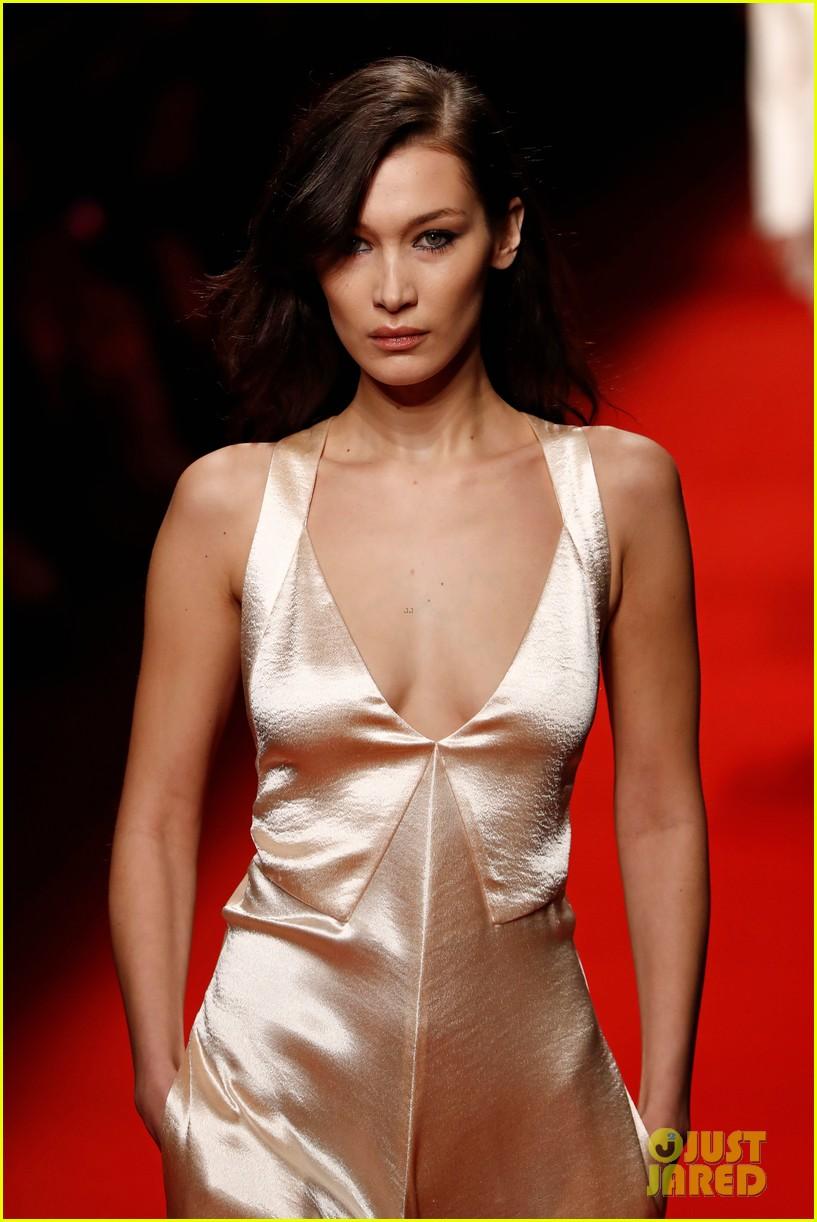 bella hadid philosophy milan fashion week 06