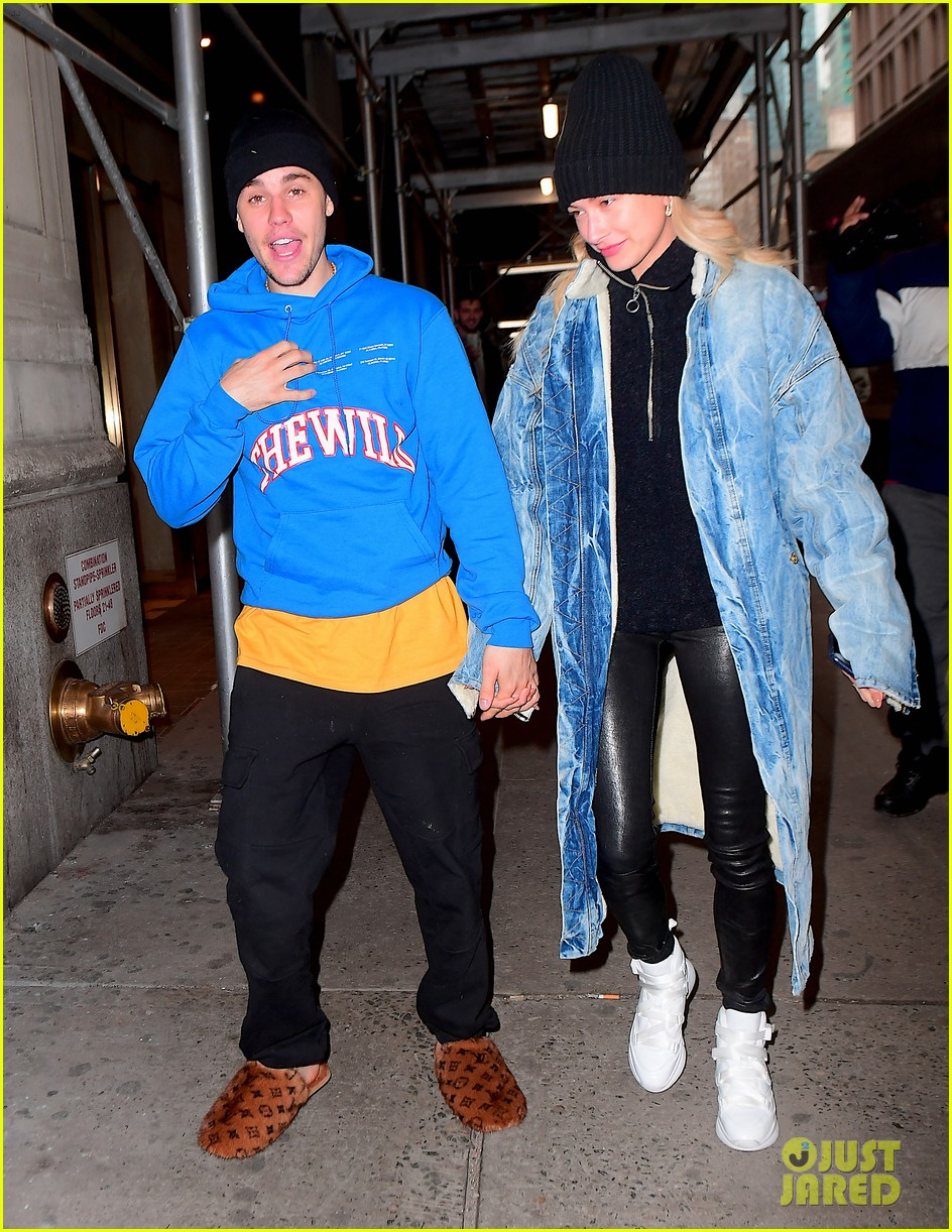 justin bieber shows off his louis vuitton slippers while out with hailey 05