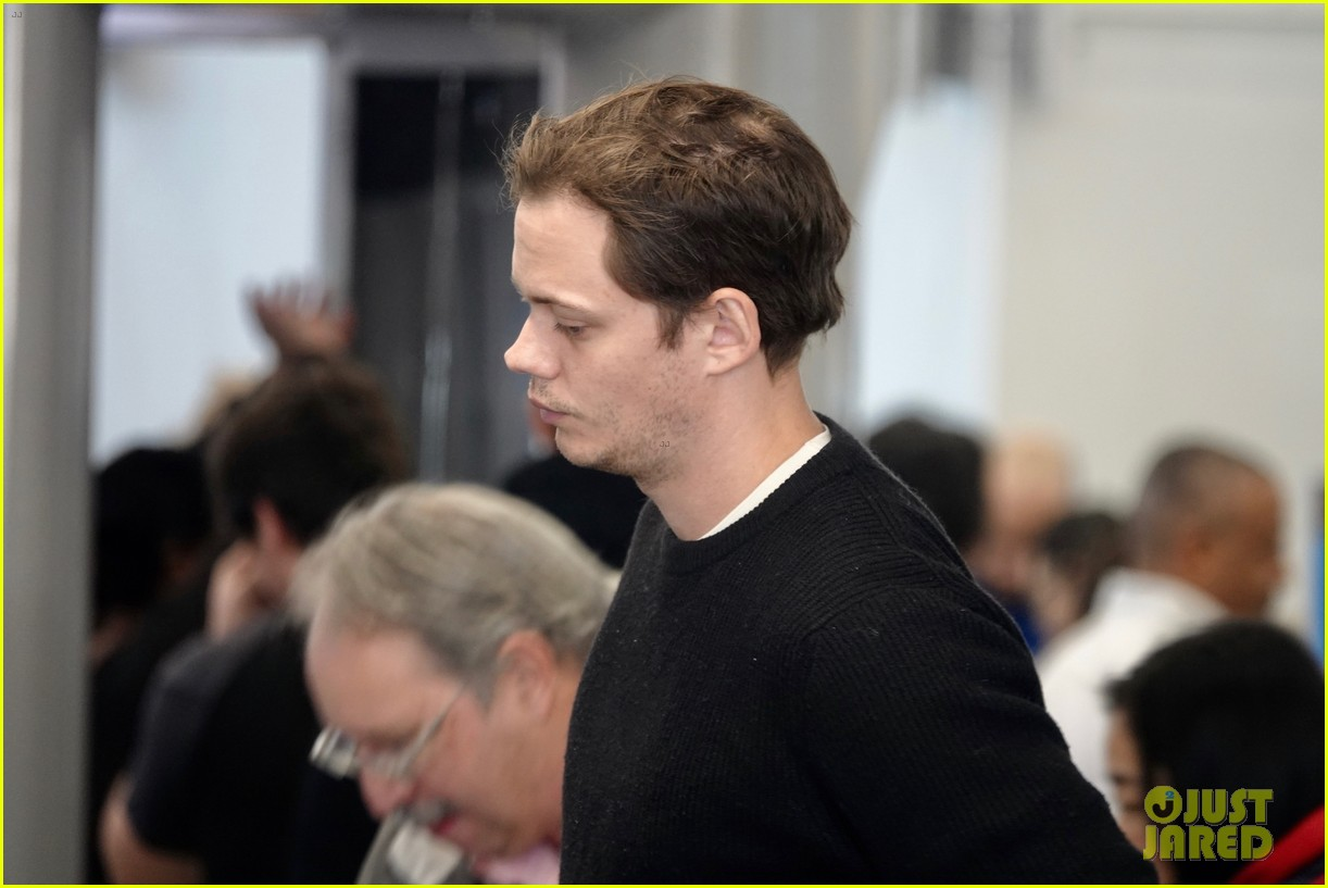 bill skarsgard at airport 224240619