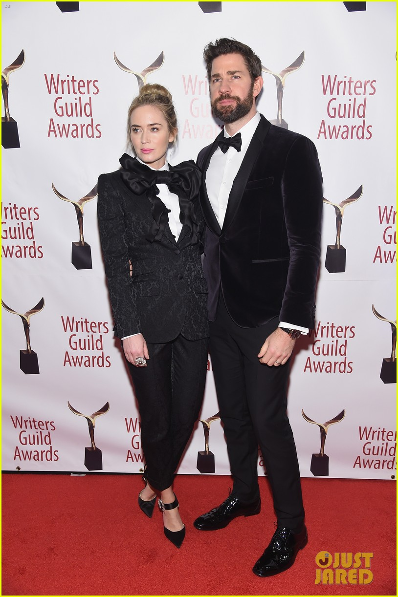 emily blunt john krasinski suit up for writers guild awards 02
