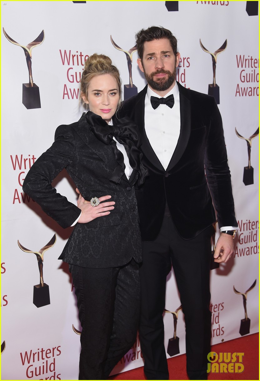 emily blunt john krasinski suit up for writers guild awards 05