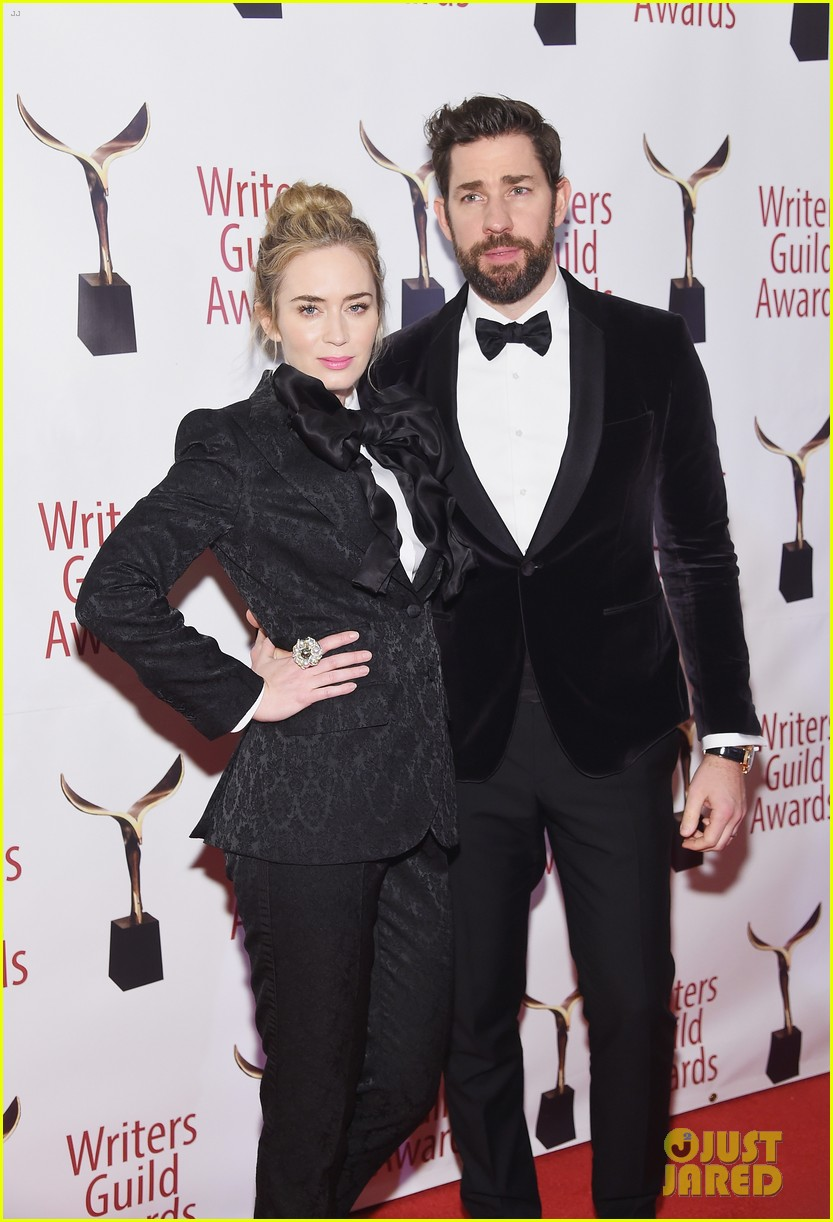 emily blunt john krasinski suit up for writers guild awards 12