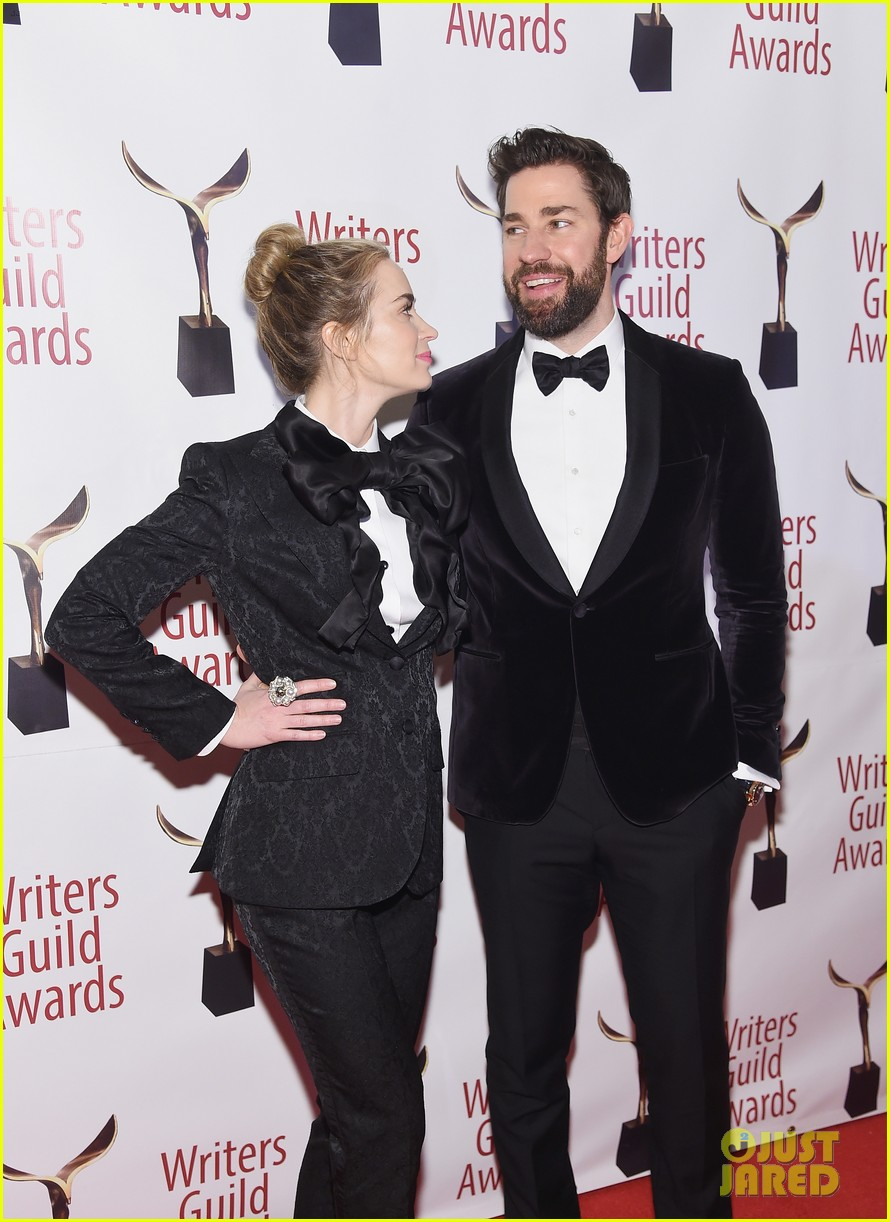 emily blunt john krasinski suit up for writers guild awards 14