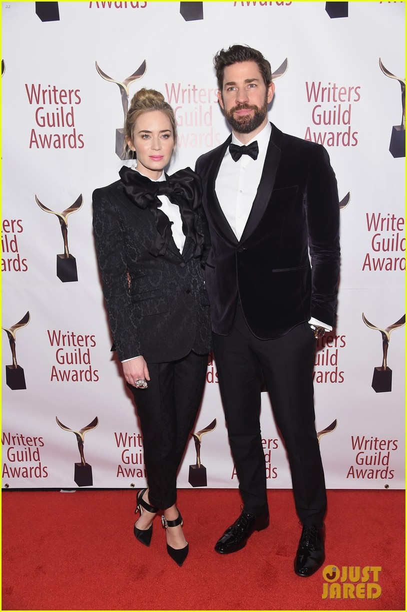 emily blunt john krasinski suit up for writers guild awards 15
