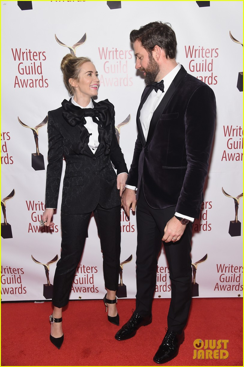 emily blunt john krasinski suit up for writers guild awards 16