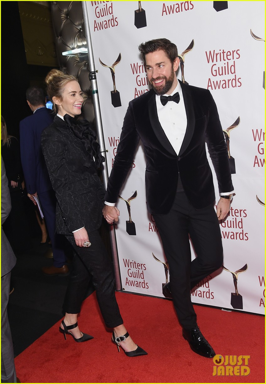 emily blunt john krasinski suit up for writers guild awards 17