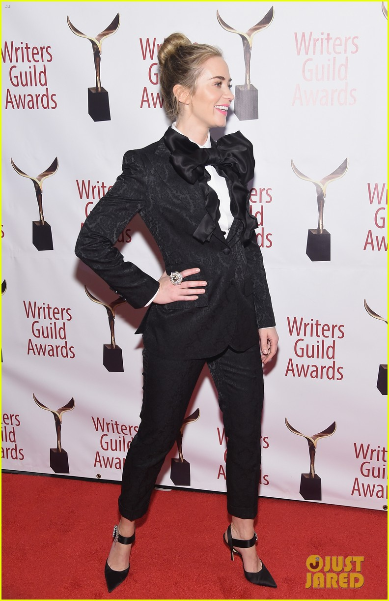 emily blunt john krasinski suit up for writers guild awards 18