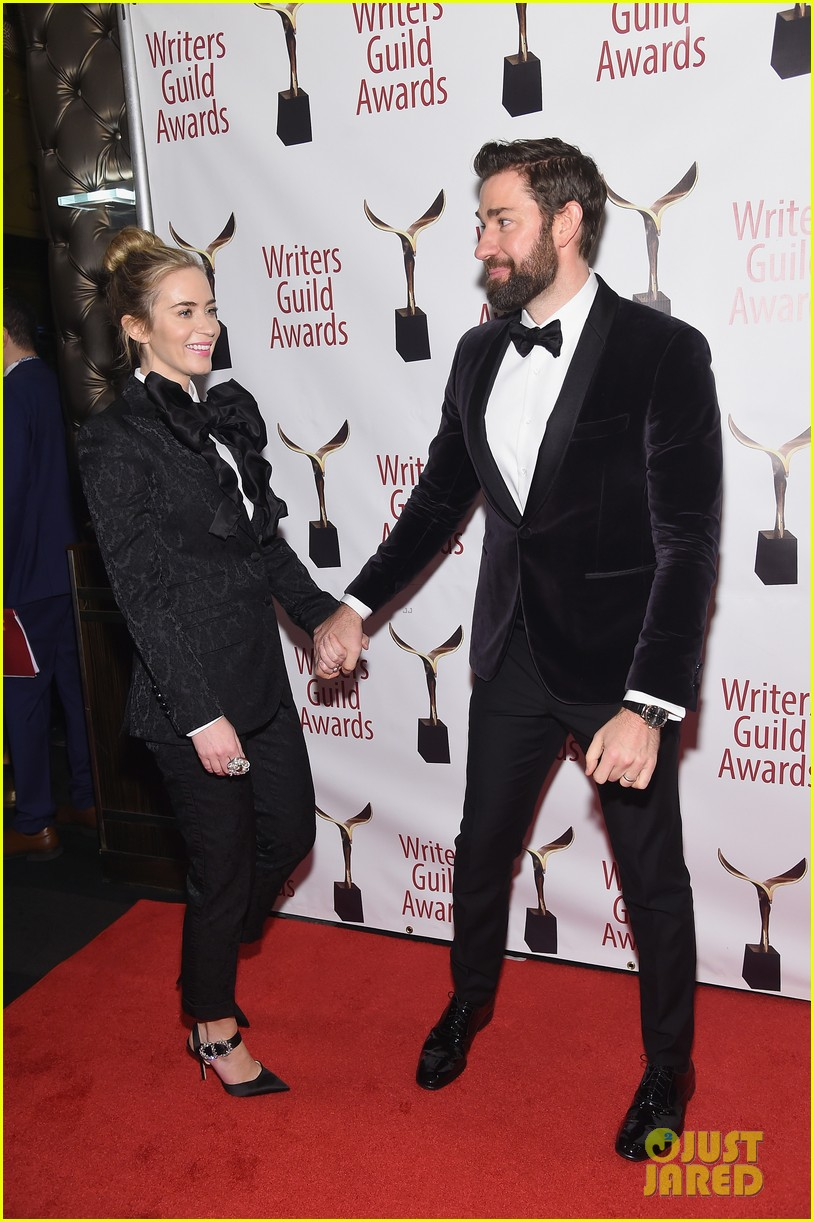 emily blunt john krasinski suit up for writers guild awards 21