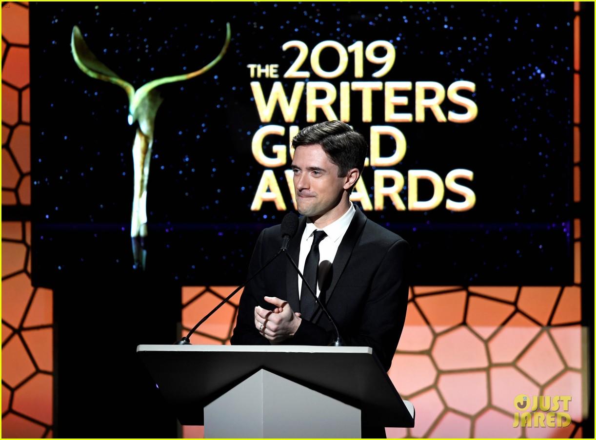 alison brie jamie lynn sigler jane lynch writers guild awards la 10