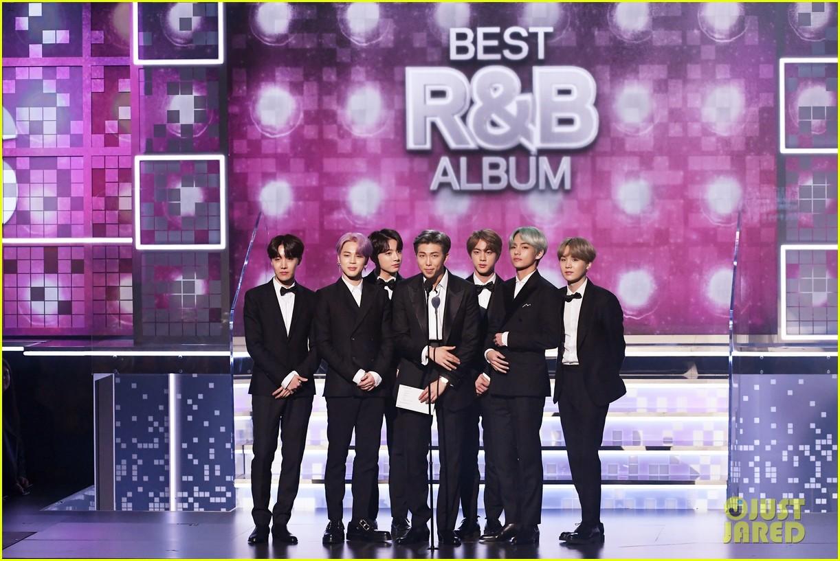 Grammy 2019 Bts: BTS Present H.E.R. With Best R&B Album At Their First